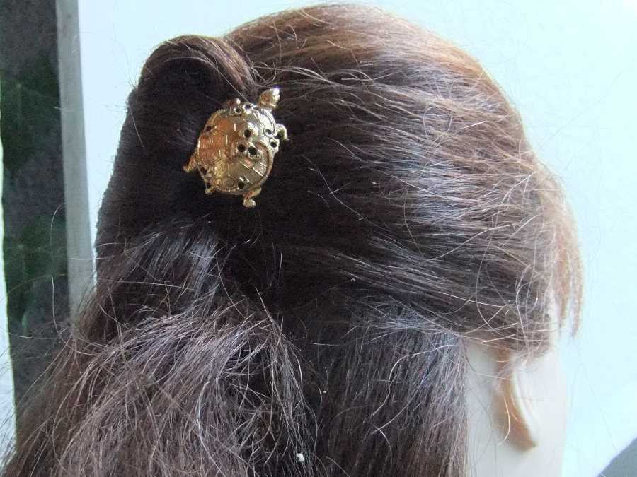 Hairpin carapace Gold plated patinated