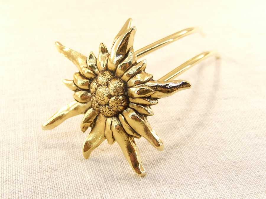 Hairpin Edelweiss Gold plated patinated